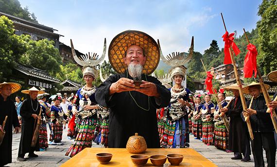 人とのふれあいの旅|中国貴州省の観光案内。貴州省日本観光センター